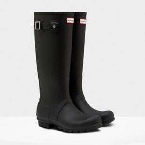 Hunter Black Tall Wellington Boots